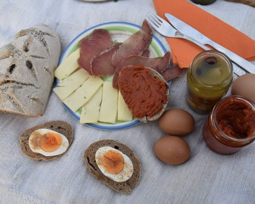 Makak_Bed_and_Breakfast_picnic-88