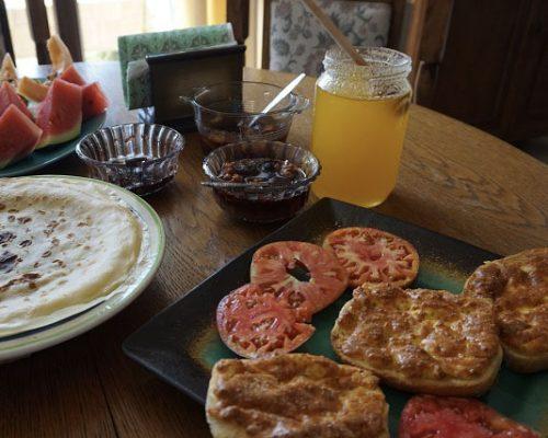 Makak_Bed_and_Breakfast_tasty_breakfast-2